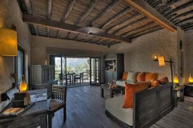 Coin salon et bureau de la Zighy Pool Villa
